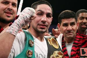 Danny Garcia went life and death with challenger Mauricio Herrera, but ultimately found a way to keep the WBC and WBA world championships at a 140 pounds.
